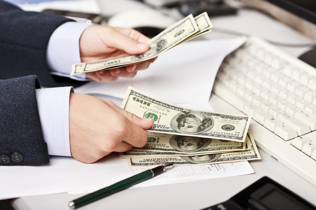 Изображение - Что делать если не приходят алименты money-hands-dollar