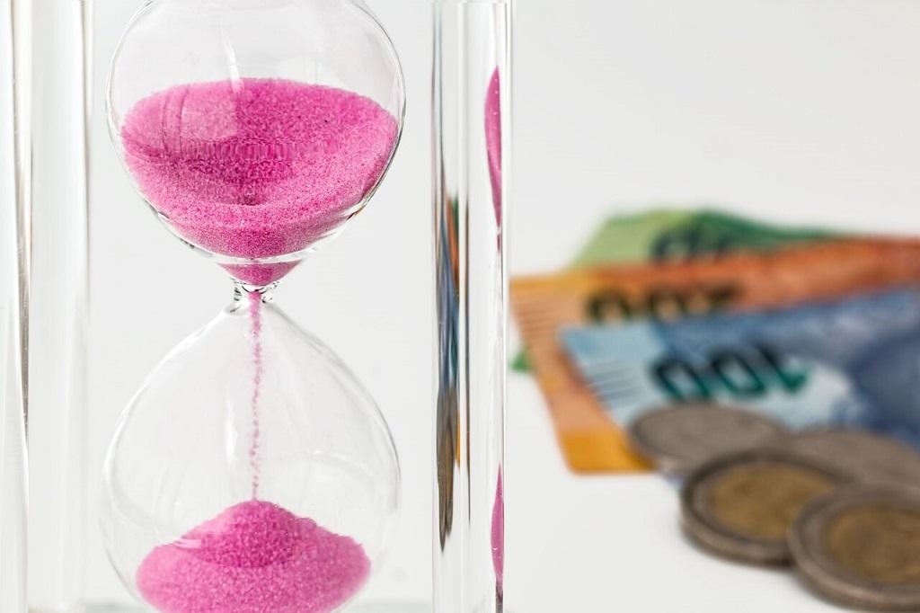С какого момента начисляется задолженность по алиментам