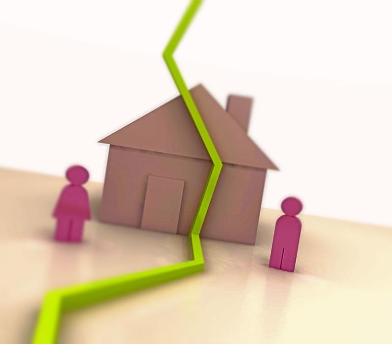 Раздел двух квартир при разводе