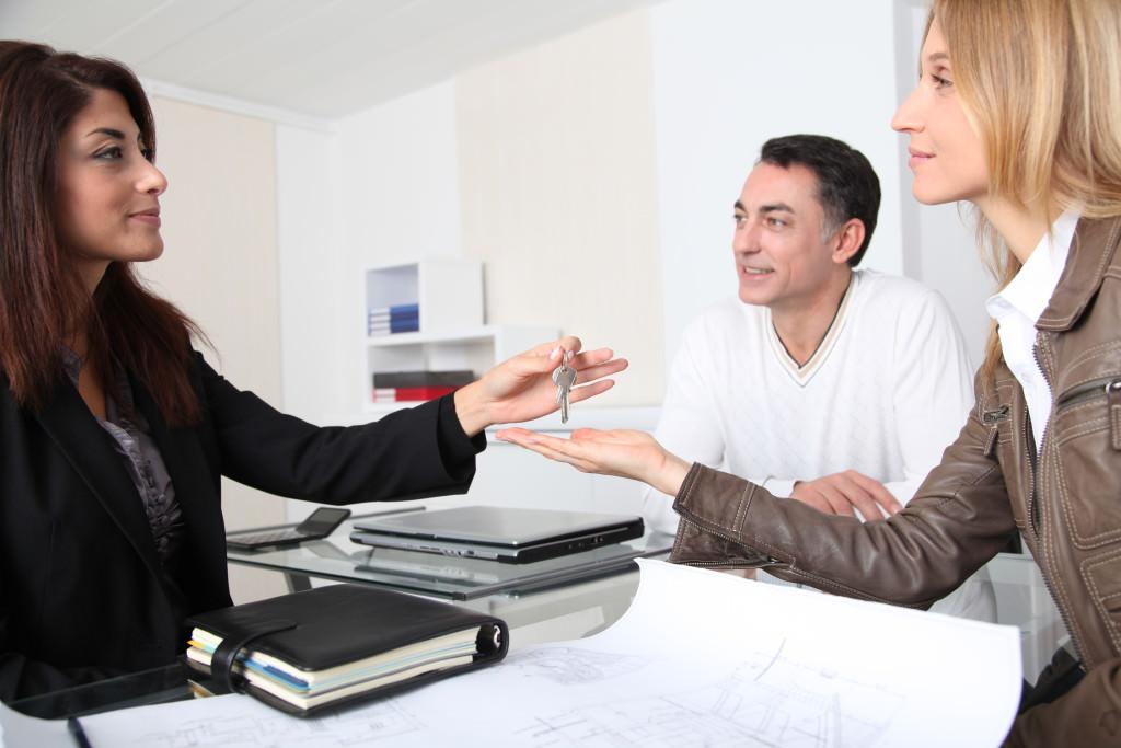 Все о том, может ли муж подарить жене свою долю в квартире